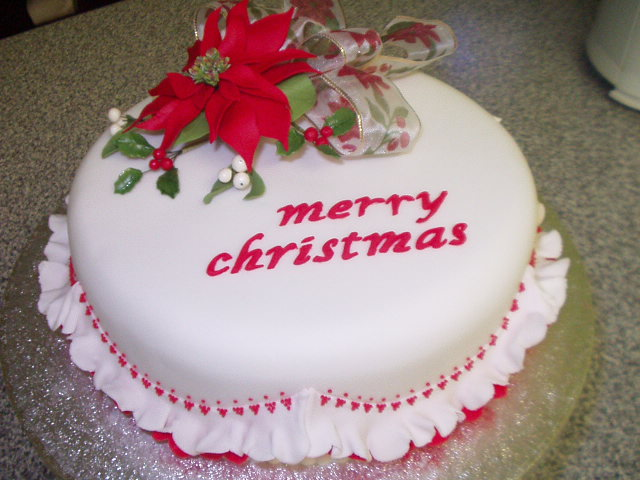 Outstanding Christmas Cake Decorating Ideas 640 x 480 · 79 kB · jpeg